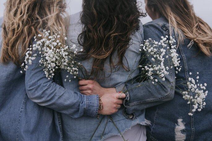 Junggesellinenabschied Frauen in Jeans-Jacke