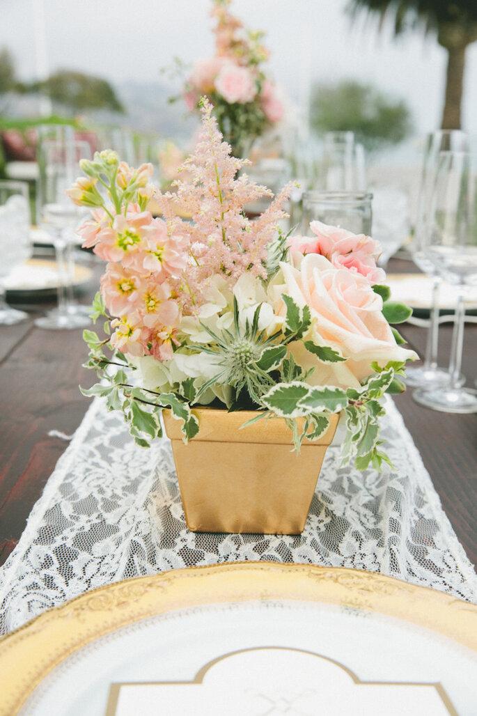 Decoraci n para una boda rom ntica encaje y color dorado for Decoracion boda romantica
