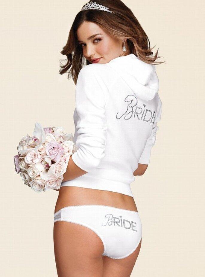 Sudadera y lencería para novias el día de la boda - Foto Victoria's Secret 2013