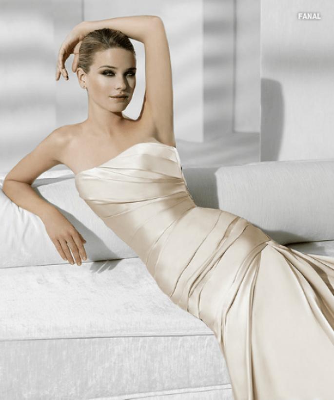luminosos y suaves vestidos de novia en satén, para una apariencia