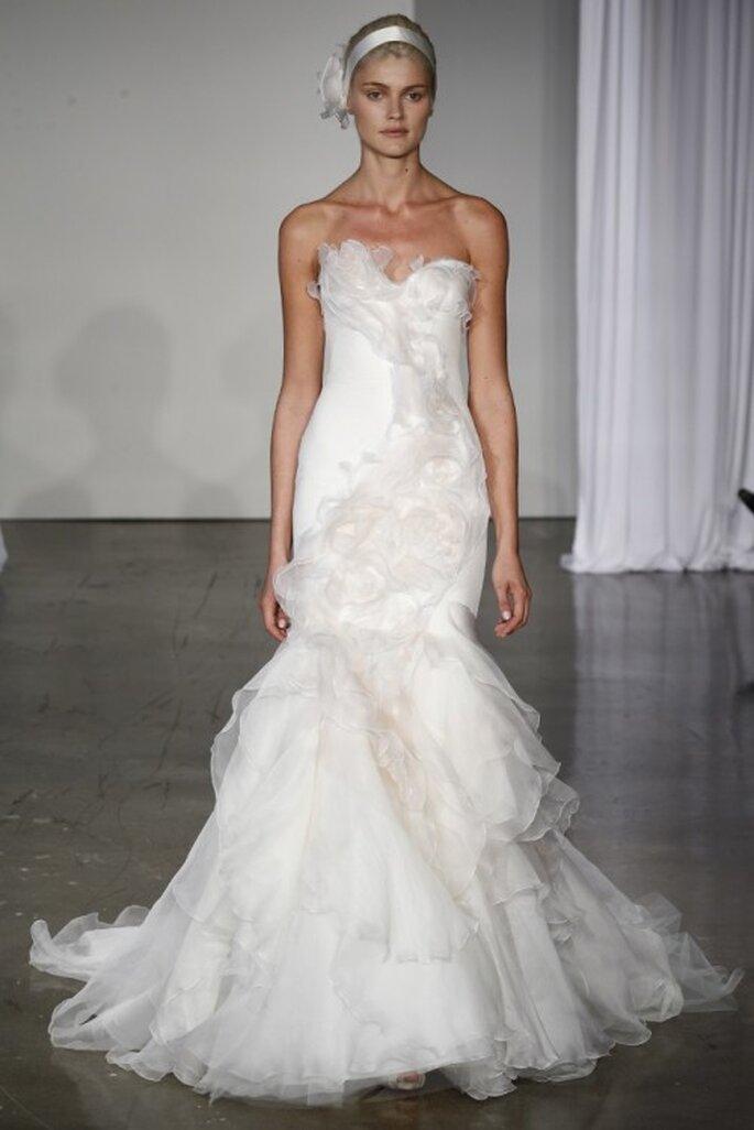 Vestido de novia corte sirena con falda voluminosa - Foto Marchesa