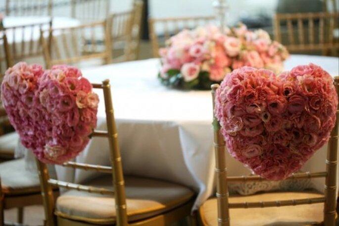 Decoración de boda con corazones y flores. Imagen Boutique de Tres