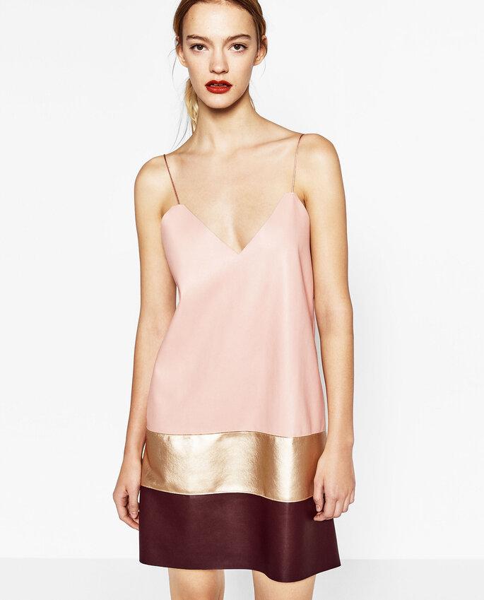 Vestido de Zara.