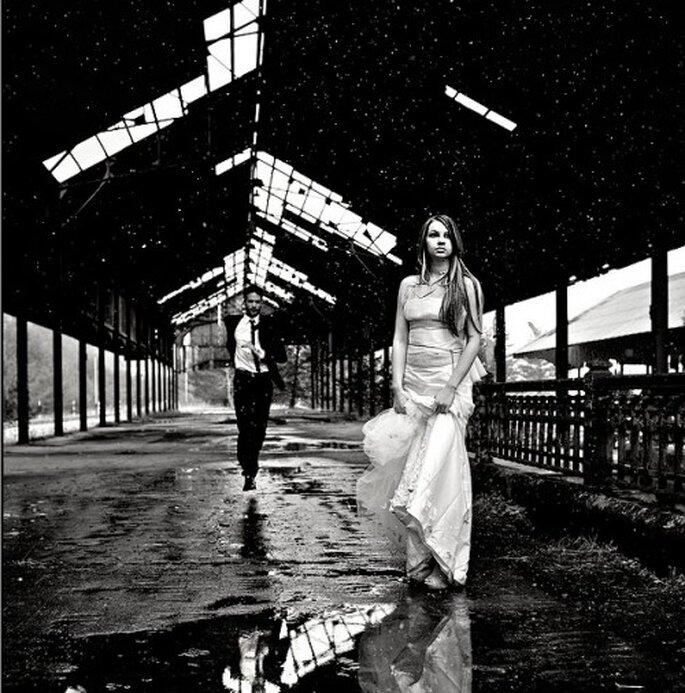 Trash the dress en ezona industrial Fotografía Natan