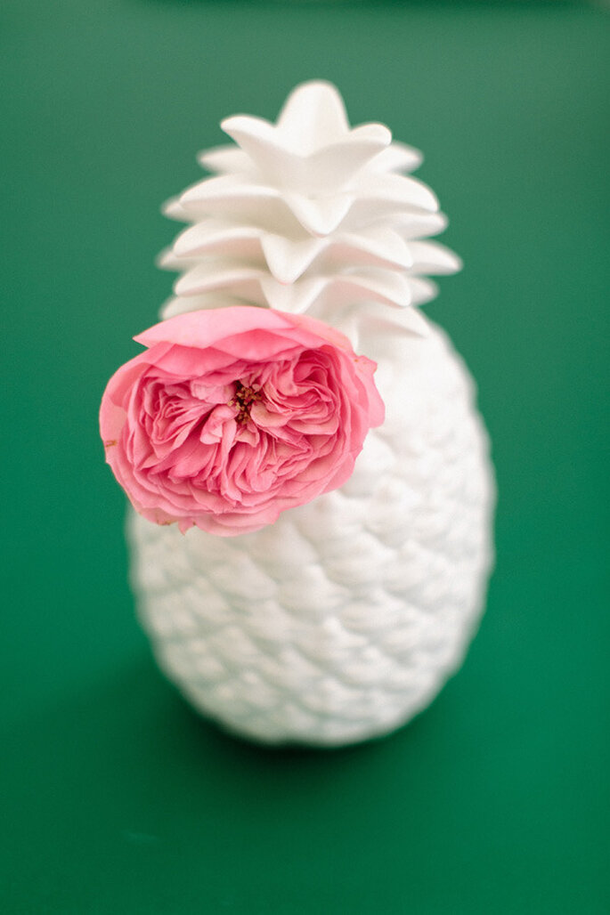 Piñas en la decoración de tu boda - Ruth Eileen Photography : Concept, Styling, Flowers, Table Runner, Favors, Bites