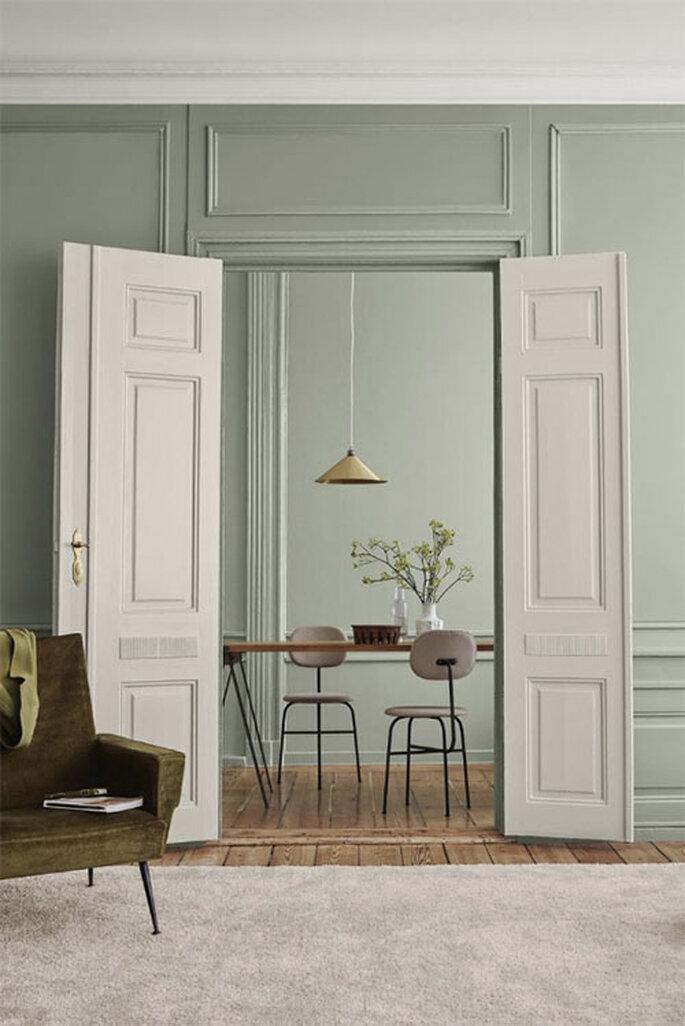 Decoración de interiores 2020 en estilo japonés y sillas minimalistas