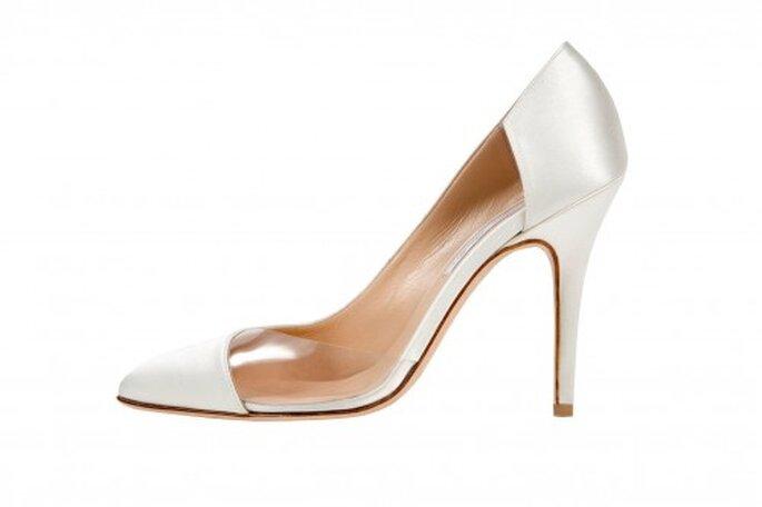 Zapatos de novia 2014 con transparencias en los costados y tacones altos - Foto Monique Lhuillier