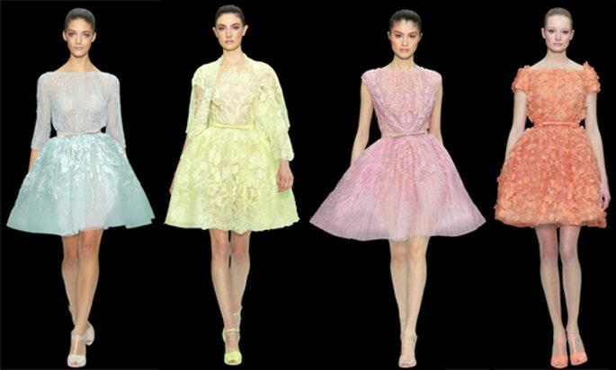 Minivestidos con detalles incrustados en tonos pastel - Foto: ElieSaab.com