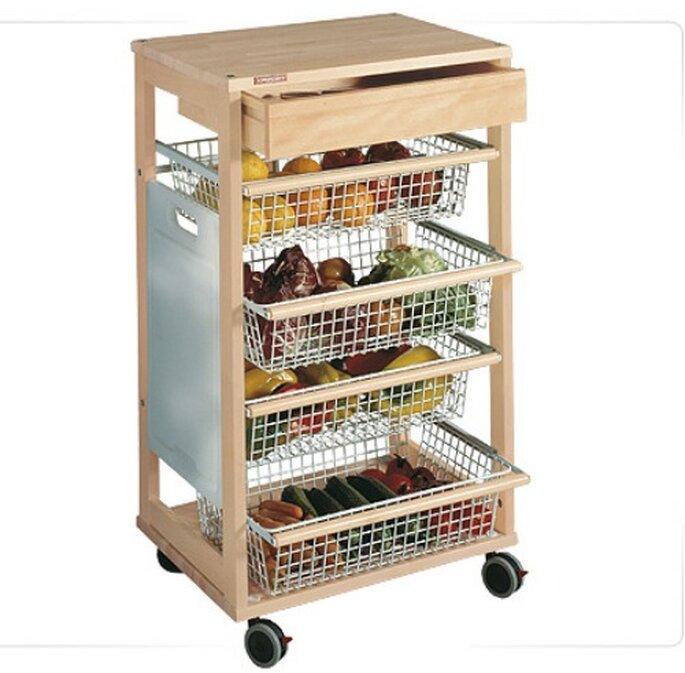 Verduriere, carrello per cucina con piano di lavoro, cestelli estraibili, tagliere, un grande cassetto e comode ruote che facilitano gli spostamenti.