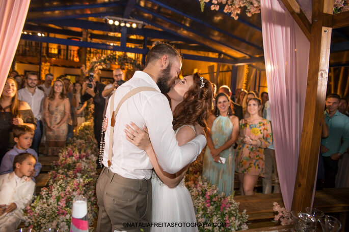 cerimonia de casamento beijo