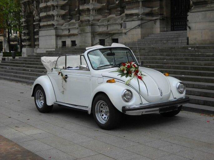 Louer sa voiture de mariage, rien de plus simple ! - Source : Location Rétro Mariage