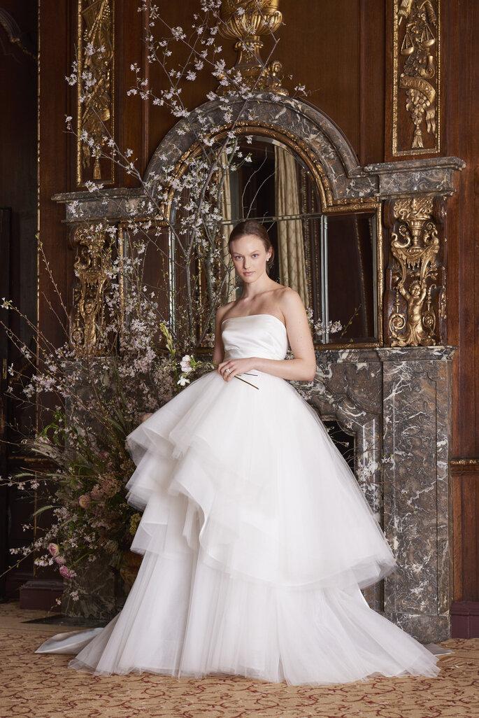 Vestido de novia con falda de tul en capas
