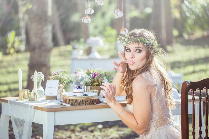 Fotografia: 135 milímetros / Styling: Por Magia / Bolos Miss Pavlova com flores comestíveis Ervas Finas – Segredos que se comem