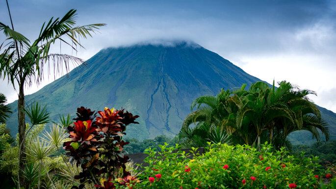 costa rica volcan
