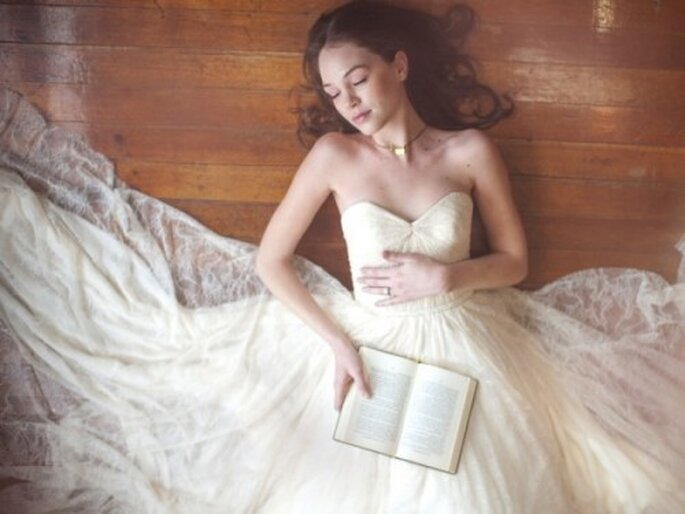 Vestido de novia corte princesa con escote corazón - Foto Blush Wedding Photography
