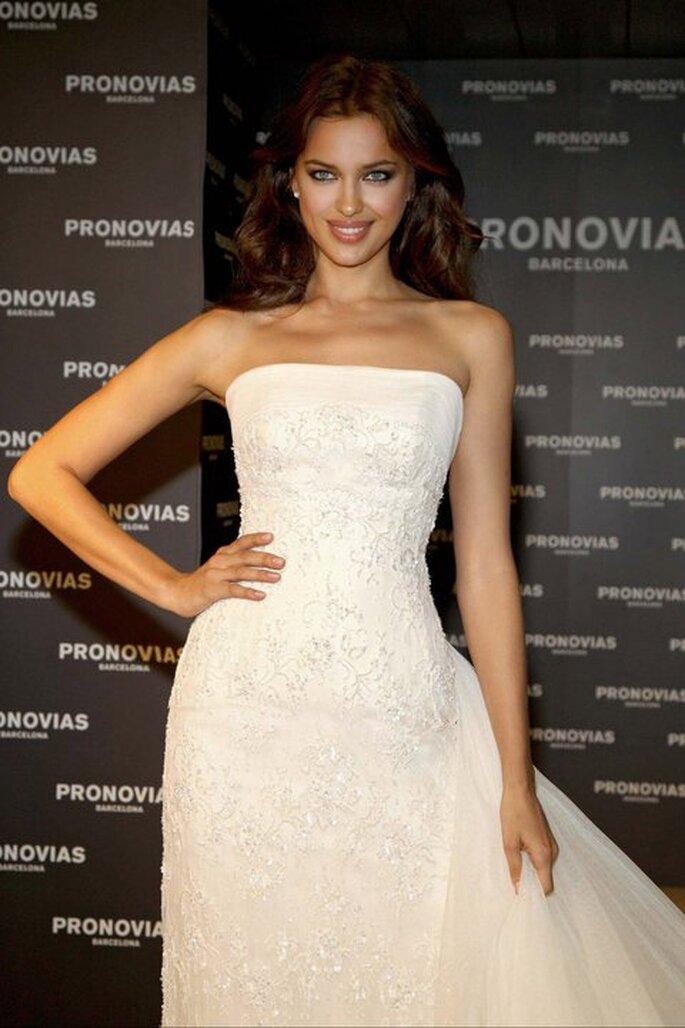 Irina Shayk vestida de noiva - Pronovias