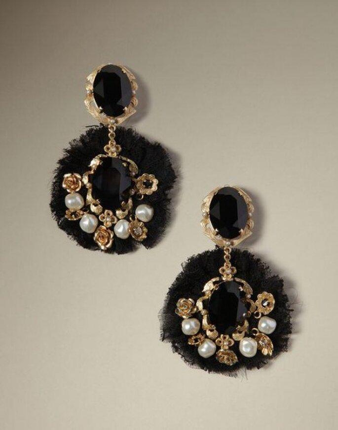 Orecchini barocchi neri e oro. Foto: Dolce & Gabbana