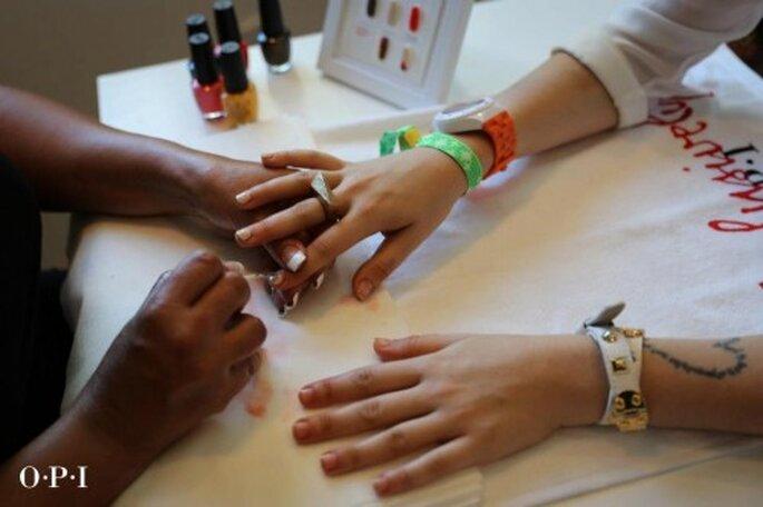 Acude con un experto para que te haga un manicure increíble - Foto OPI