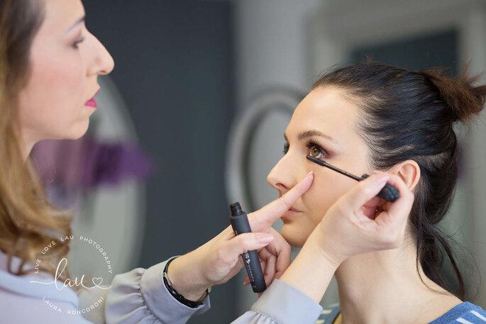 Make up und haare hochzeit