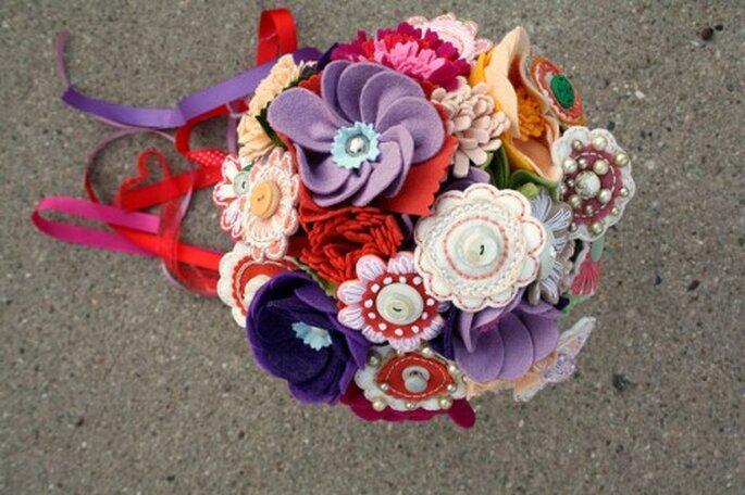 Handgemachte Brautstrauße aus Filz oder Stoff bleiben wie neu – Foto: Princess lasserton