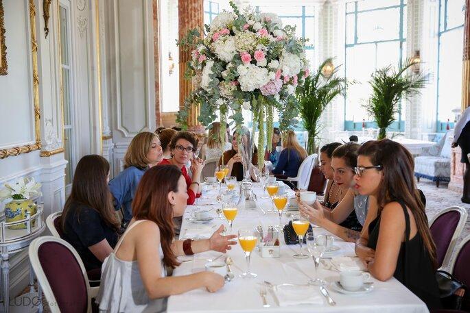 Convívio dos convidados durante o pequeno-almoço. Foto: Ludgi Fotógrafos