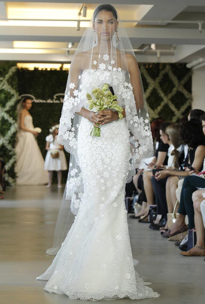 Zart und dennoch mit einem Wow-Effekt sollte der Brautschleier sein – Foto: Oscar de la Renta