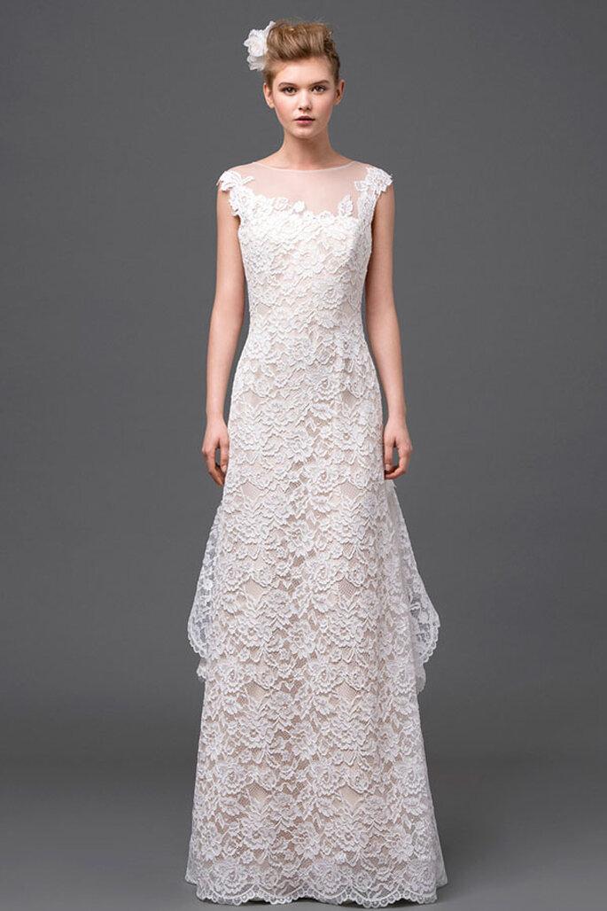 Vestido de novia de corte sencillo con bordados de encaje inspirados en motivos florales - Foto Alberta Ferretti