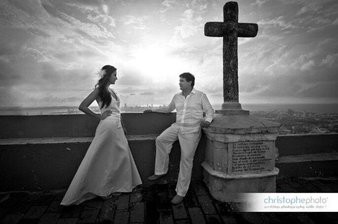 Hermosa fotografía en blanco y negro.  Foto: christopheweddingphoto.com