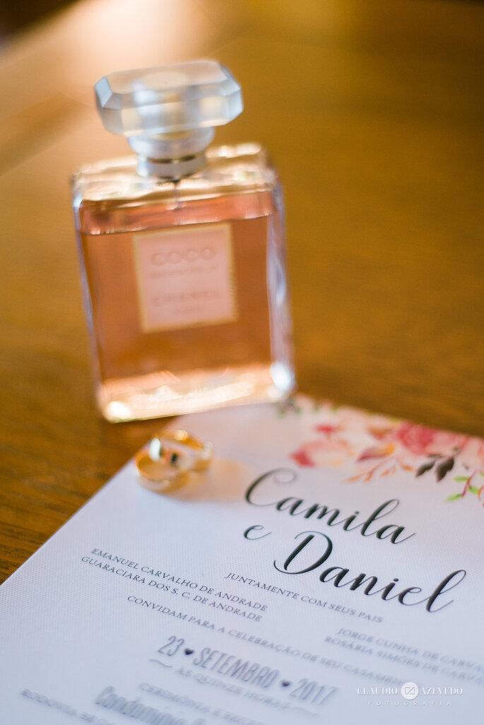 Perfume e convite casamento