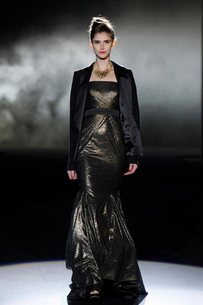 Vestido de fiesta largo en color bronce con saco en color negro - Foto Badgley Mischka