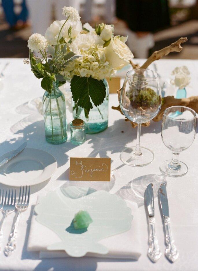 Majestuosos centros de mesas con grandes arreglos florales. Foto: Esther Sun