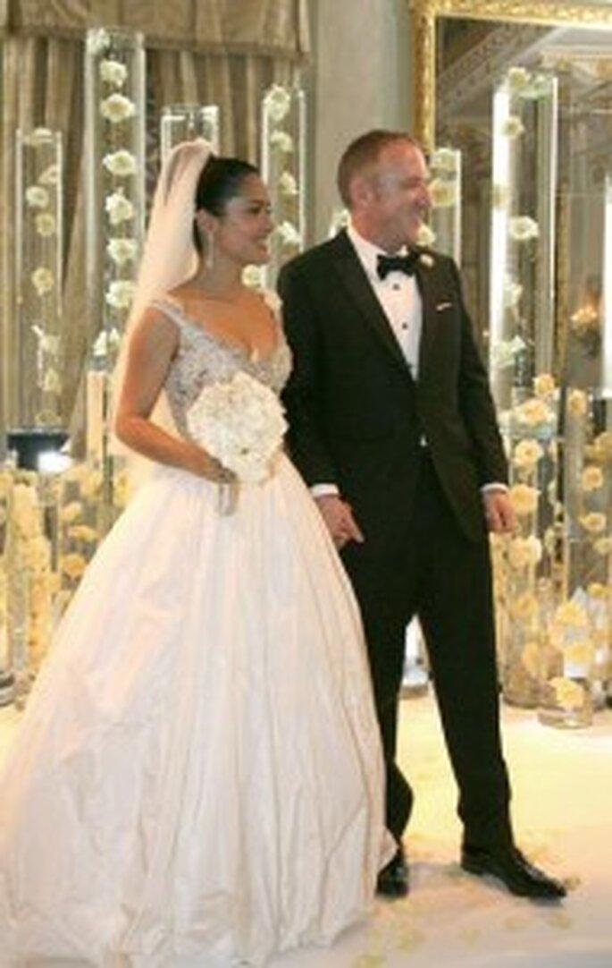Salma Hayet brille dans sa robe Balenciaga alors que François-Henri porte un impeccable smocking