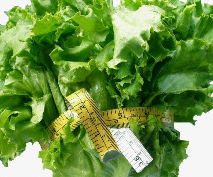 No hace falta hacer una dieta express para perder peso antes de la boda,mejor aprende a comer