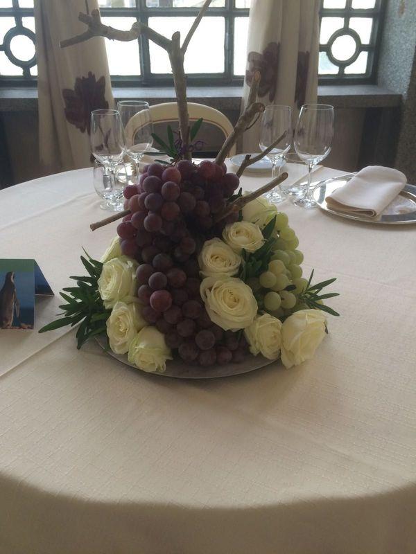 Uva e rose bianche