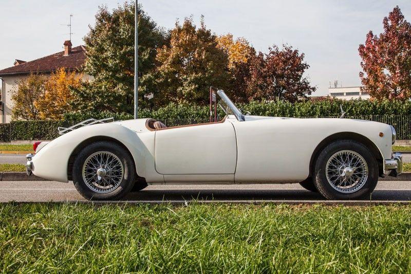 Sprintage Classic Car Touring