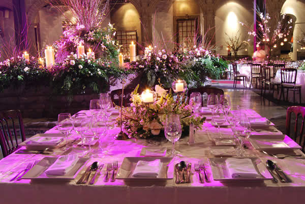 Servicio de mesa y decoración de mesas de boda Foto: Ex Convento de San Hipólito