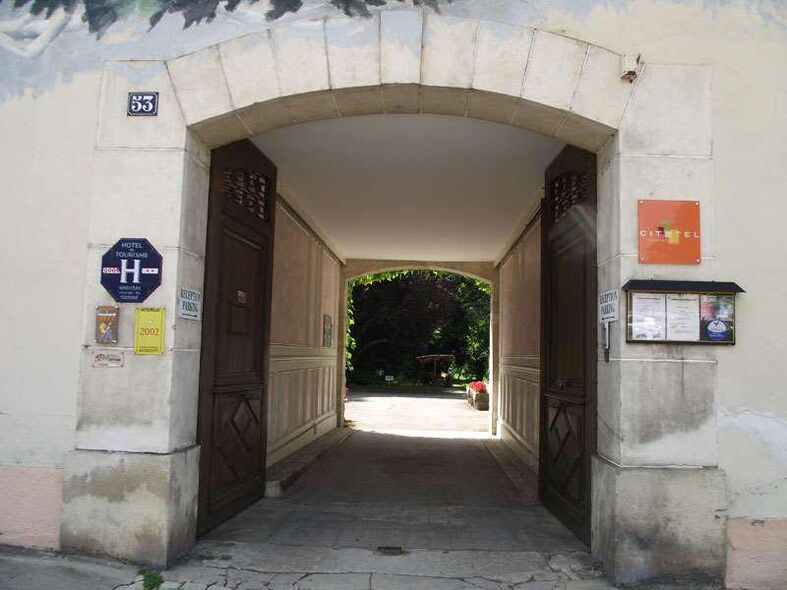 Hôtel d'Avallon Vauban**