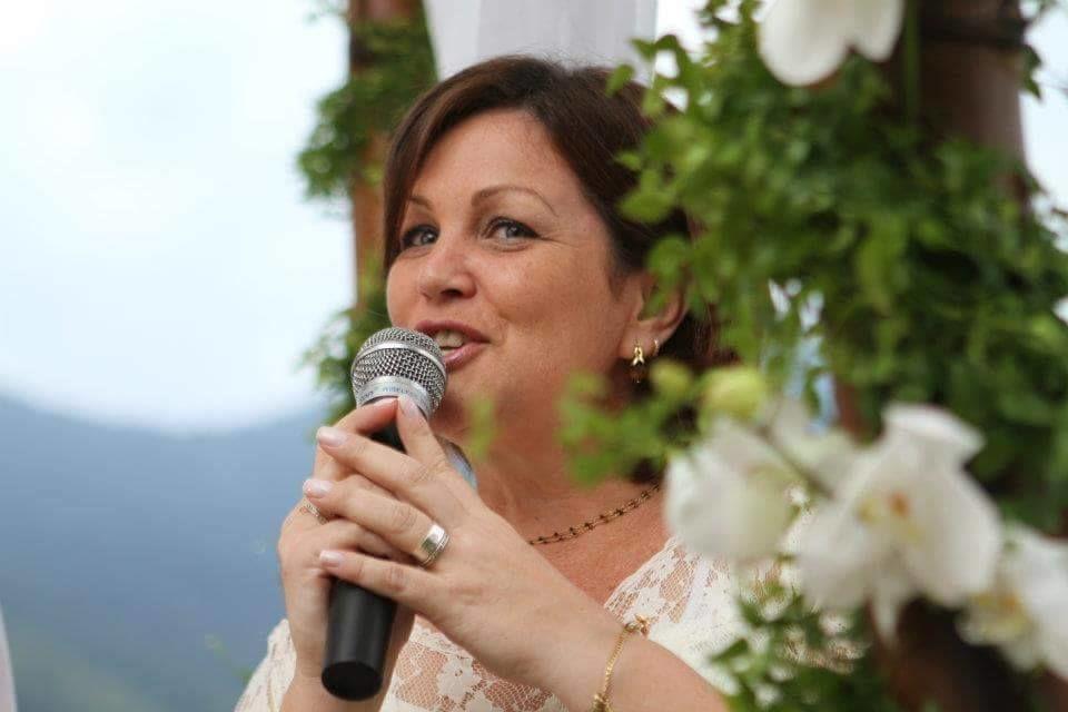 Luciana S. Zanon