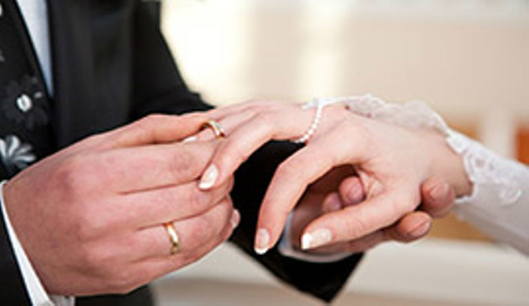 Beispiel: Ringtausch, Foto: Zeremonie des Lebens.