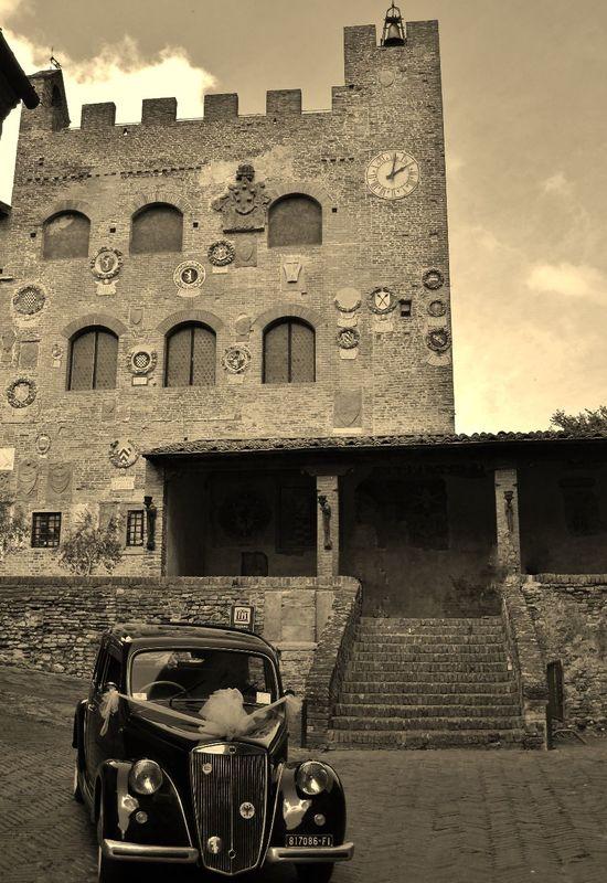 Il Palazzo Pretorio a Certaldo Alto, a pochi passi dall'Hotel Certaldo (Toscana)