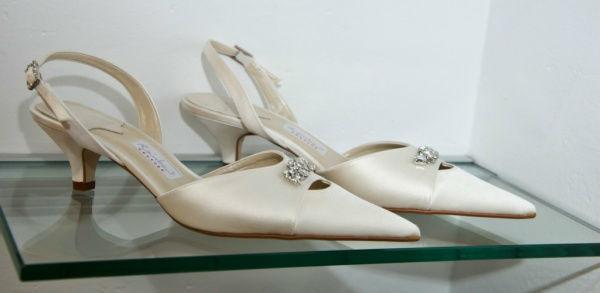 Beispiel: Brautschuhe, Foto: Bea's Brautmode Accessoires.