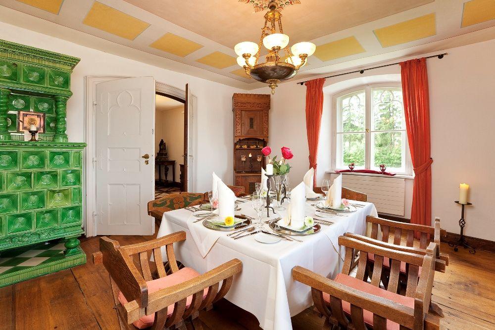 Candle Light Dinner im historischen Segisser-Zimmer