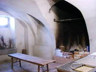 Beispiel: Küche mit Kamin, Foto: Schloss Burkheim.
