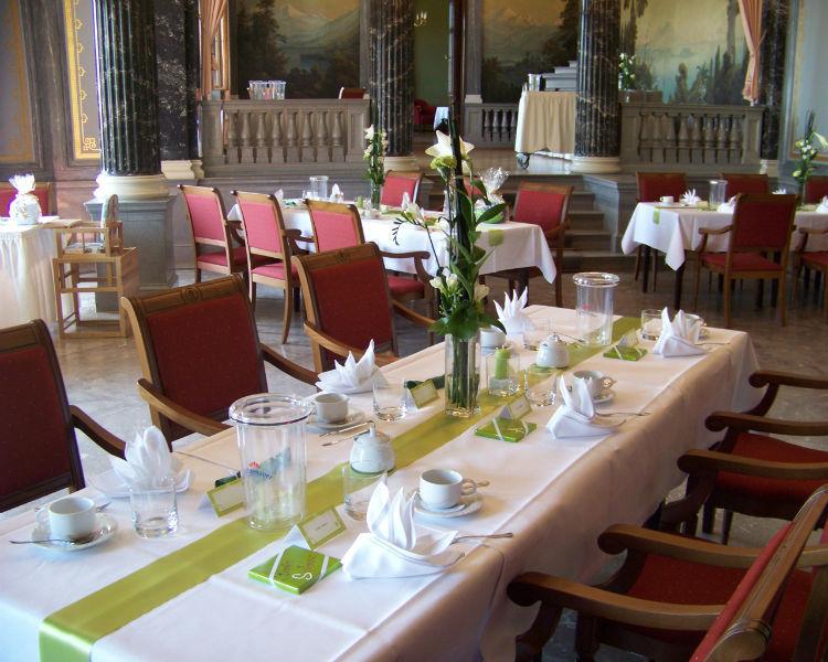 Beispiel: Hochzeitstafel, Foto: Schloss Albrechtsberg.