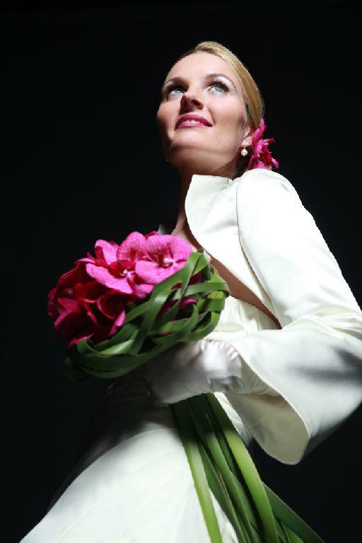 Beispiel: Blumen lassen das Herz der Braut höher schlagen, Foto: Florastyle.