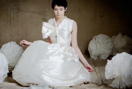 Beispiel: Ausgefallene Hochzeitskleider, Foto: Lili Maras.