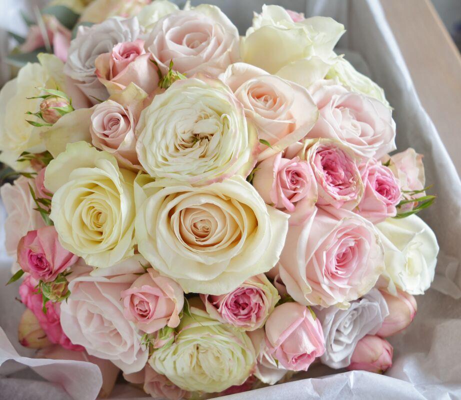 Bouquet de mariée roses couleur pastel