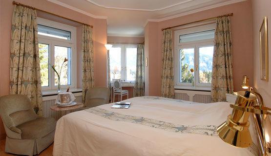 Beispiel: Hotelzimmer, Foto: Schweizerhof Flims.