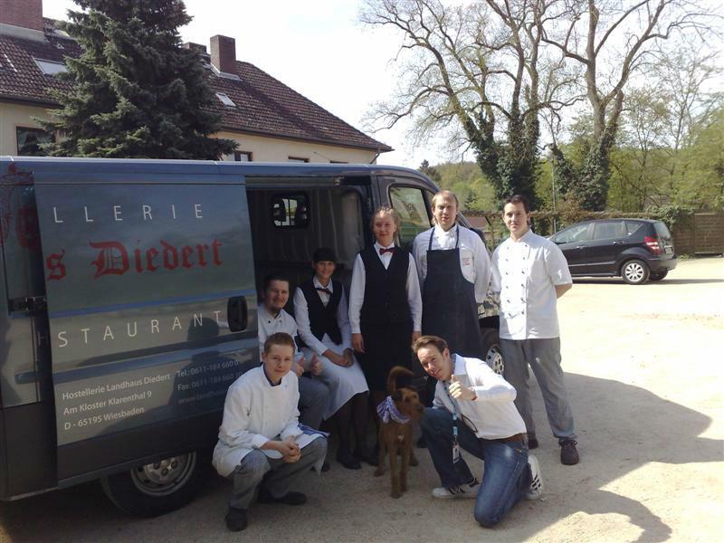 Beispiel: Cateringteam unterwegs, Foto: Landhaus Diedert Catering.