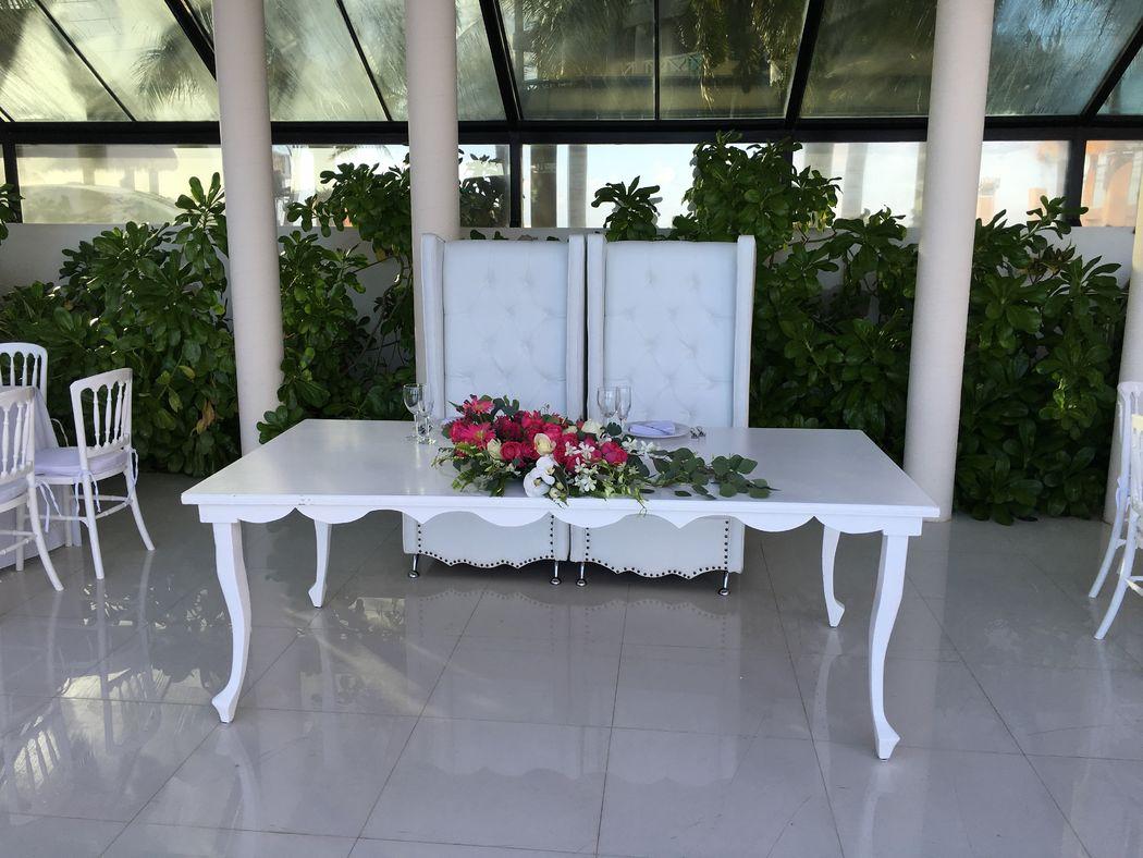 Mesa de novios Vintage blanca